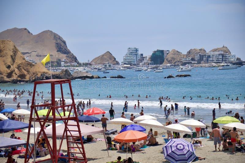 Plage au Pérou Plage dans le dessert photographie stock libre de droits