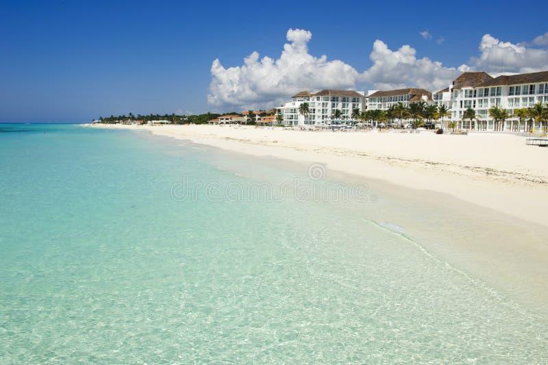 Plage blanche étonnante des Caraïbe de sable images libres de droits