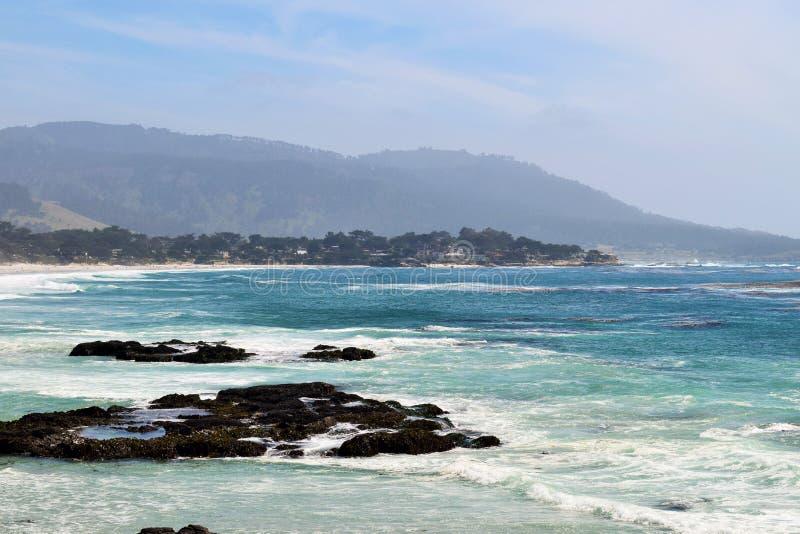 Plage chez Carmel par la mer image libre de droits