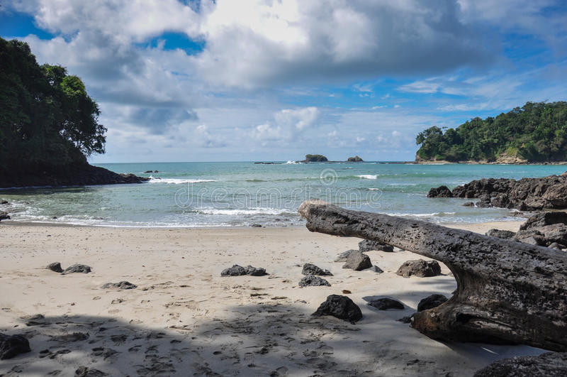 Plage chez Manuel Antonio National Park, Costa Rica photo libre de droits