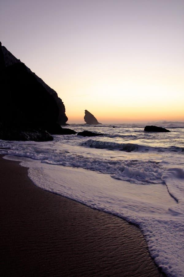 plage d'adraga photographie stock libre de droits