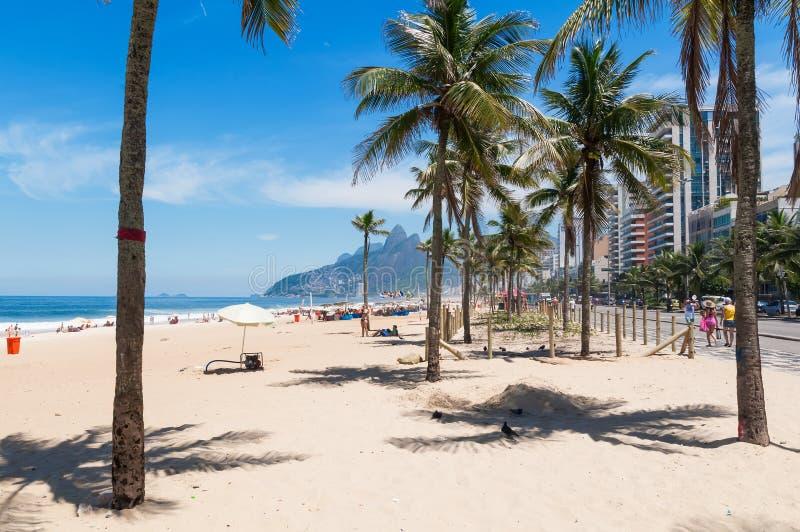 Plage d'Ipanema en Rio de Janeiro photos libres de droits