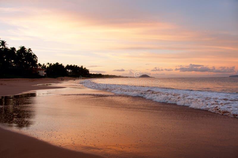 Plage d'or Maui Hawaï de Keawakapu de coucher du soleil photos libres de droits
