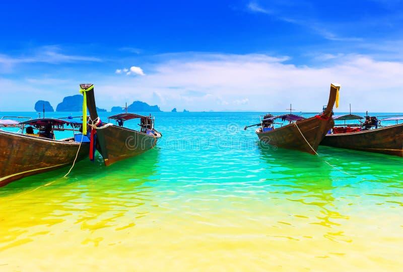 Plage d'océan de la Thaïlande image libre de droits