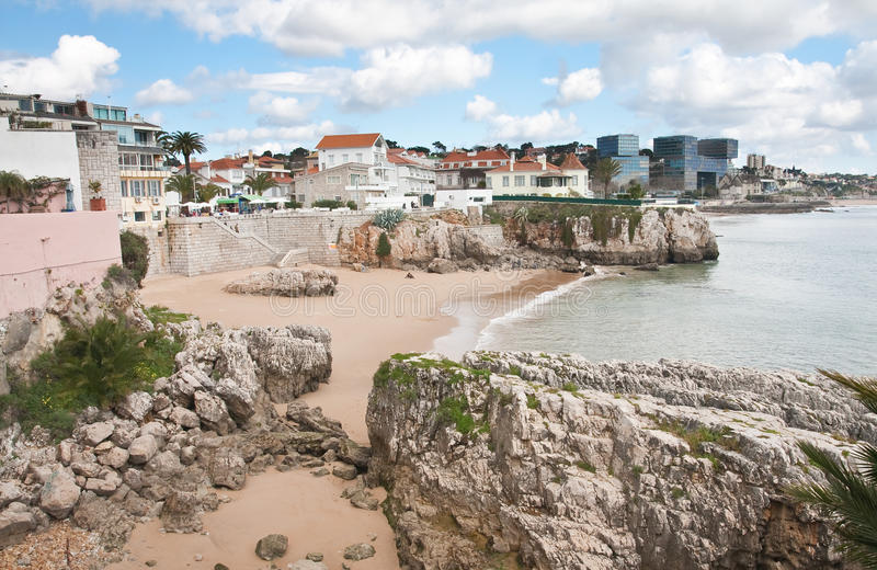 Plage dans Cascais. Portugal photographie stock libre de droits