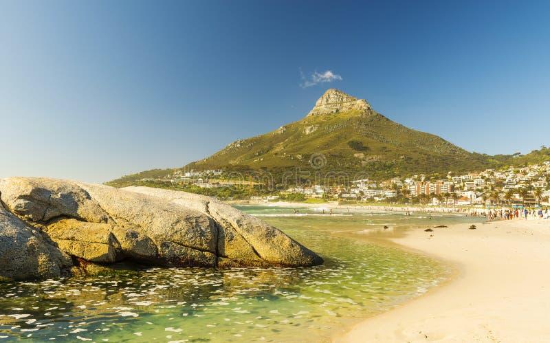 Plage de baie de camps à Cape Town, Afrique du Sud images stock