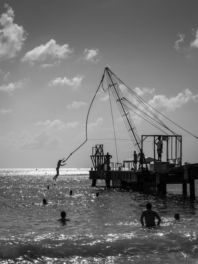 Plage de Brownes dans la baie de Carlisle à Bridgetown, Barbade image libre de droits