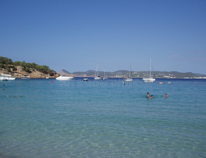 Download Plage de Cala Bassa, Ibiza image stock. Image du course - 727423