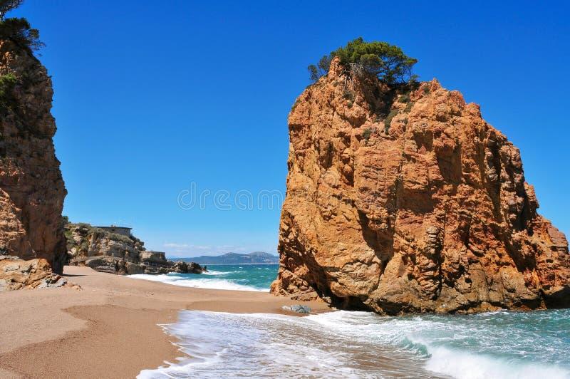 Plage de Cala Illa Roja dans Costa Brava, en Catalogne, l'Espagne photographie stock