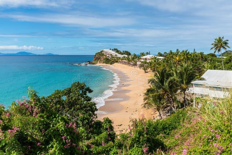 Plage de Grace Bay, île de l'Antigua-et-Barbuda photographie stock