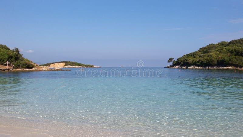 Plage de Ksamil, Saranda, la Riviera albanaise, beau paysage marin photos libres de droits