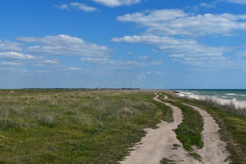 Plage de la mer Noire et dunes Journée d'été chaude Les lieux sauvages de notre planète Ukraine photo stock