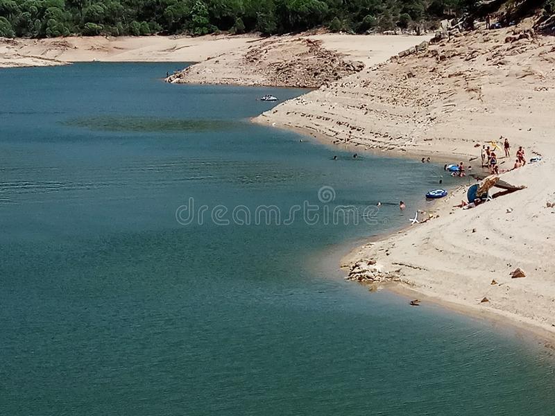 Plage de lac photographie stock