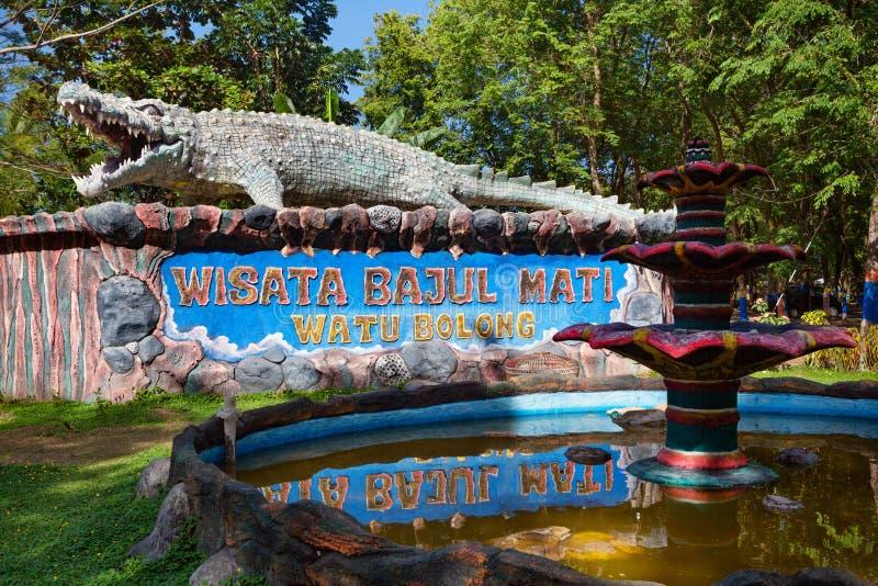 Plage de mer de crocodile de Bajul Mati Dead, panneau récréationnel de signe de parc photographie stock libre de droits