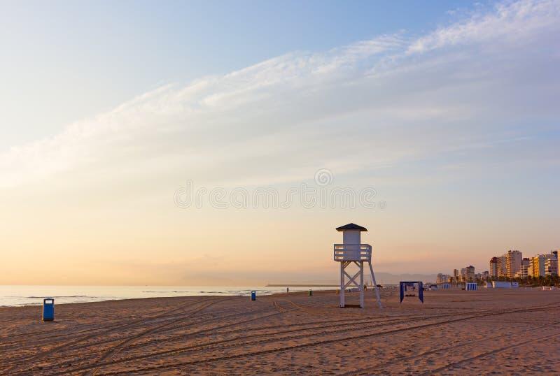 Plage de mer de Sandy au lever de soleil région à Gandie, Valence, Espagne photos libres de droits