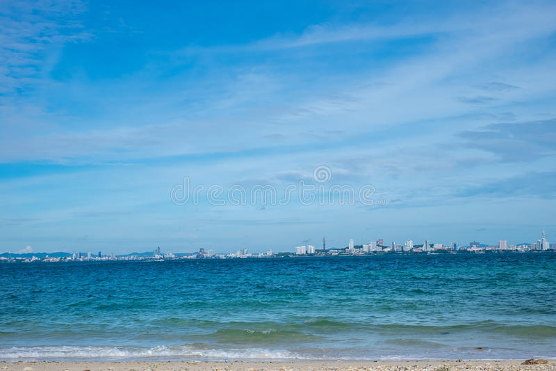 Plage de Pattaya de scape de mer, Thaïlande photographie stock