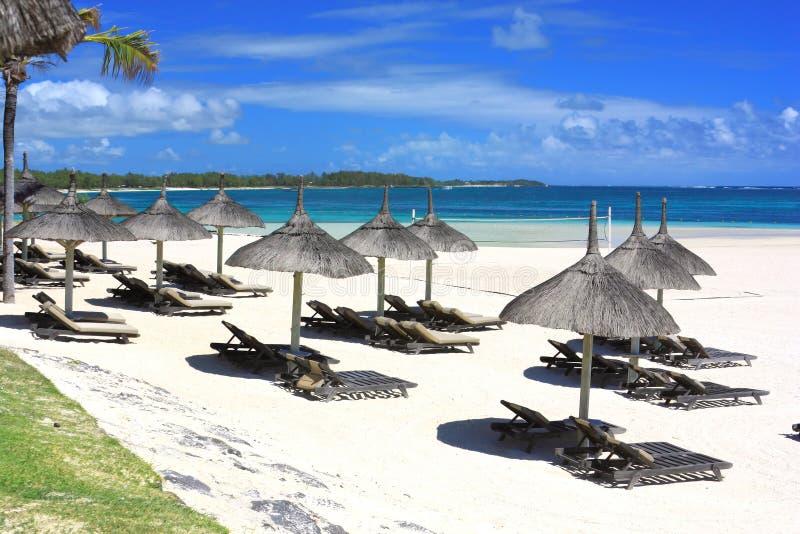 Plage de ressource en île des Îles Maurice photo libre de droits