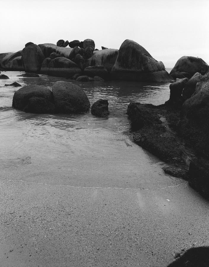 Plage de rochers photos libres de droits