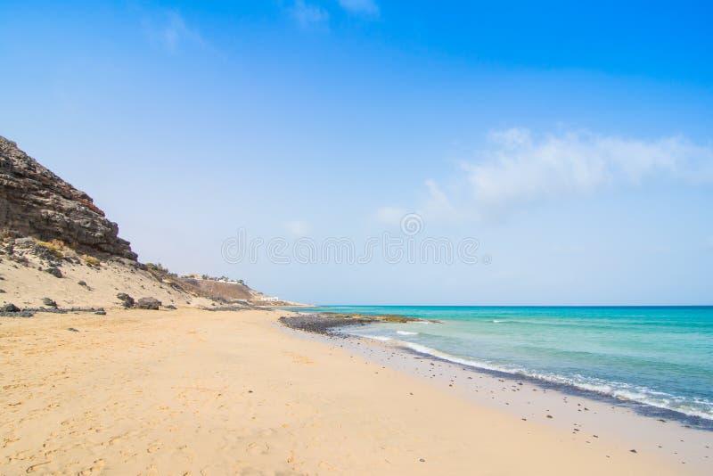 Plage de sable de Fuerteventura Jandia chez l'Océan Atlantique image stock