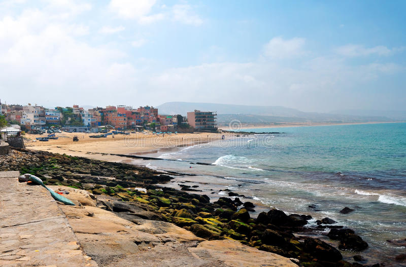 Download Plage de Taghazout image stock. Image du panorama, morocco - 56484455
