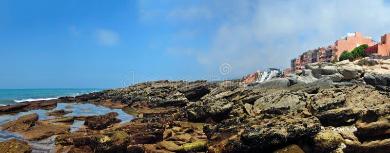 Download Plage de Taghazout photo stock. Image du falaise, pierre - 56485812