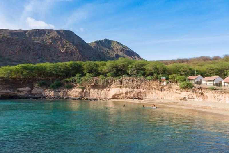 Plage de Tarrafal en île de Santiago au Cap Vert - Cabo Verde image stock