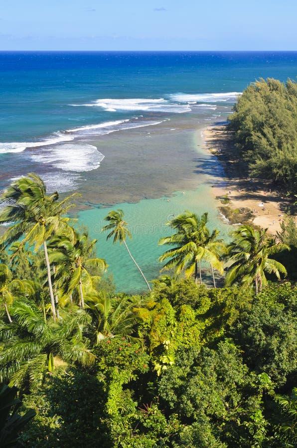 Plage de tunnel, côte de Na Pali image stock