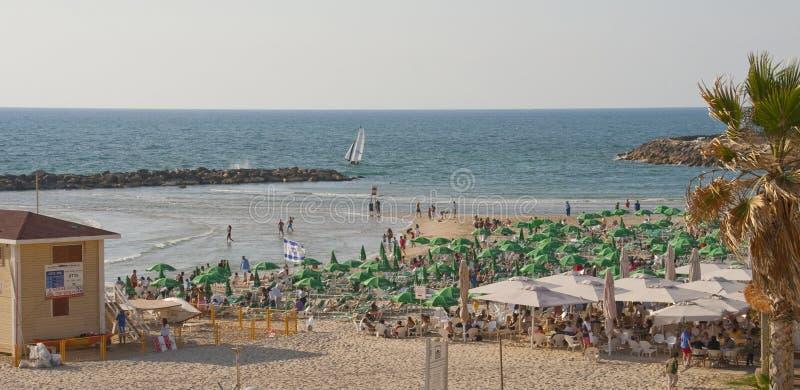 Plage de ville dans la ville du téléphone Aviv Israel photo stock