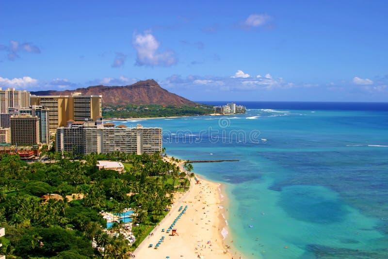 Plage de Waikiki et tête de diamant en Hawaï image stock