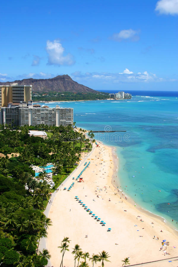Plage de Waikiki et tête de diamant en Hawaï photos stock