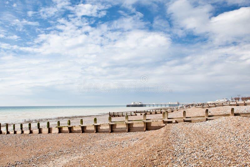 Plage de Worthing, le Sussex occidental, Royaume-Uni photographie stock libre de droits