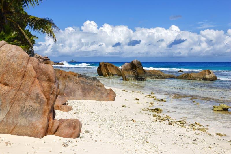 plage des Seychelles images libres de droits