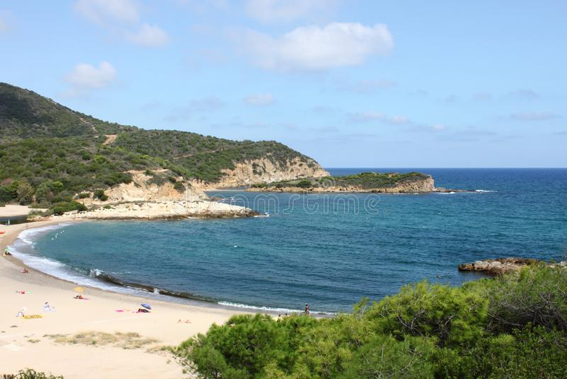 Plage du Su Portu en Sardaigne image stock