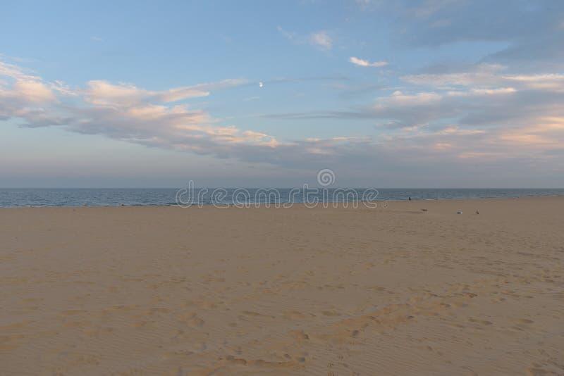 Plage du sud de Lowesoft au coucher du soleil images stock