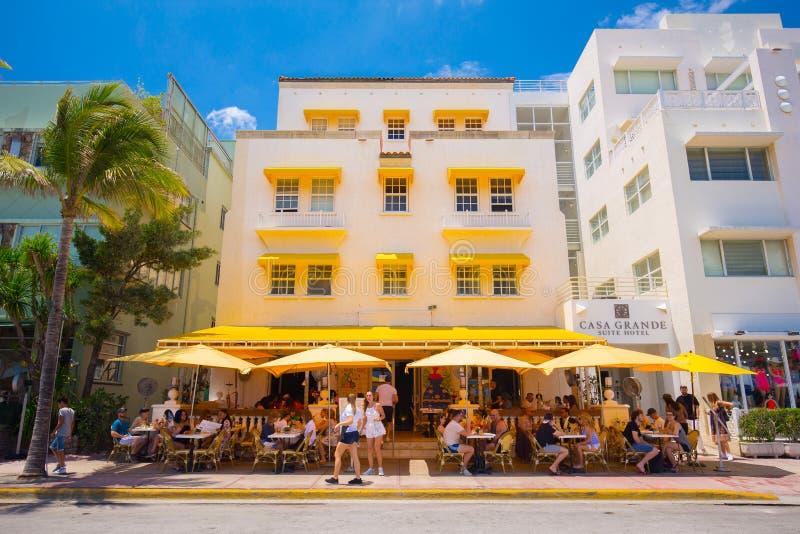 Plage du sud, rue d'entraînement de Miami Beach, océan, monuments architecturaux d'Art Deco Hôtels et restaurants images libres de droits