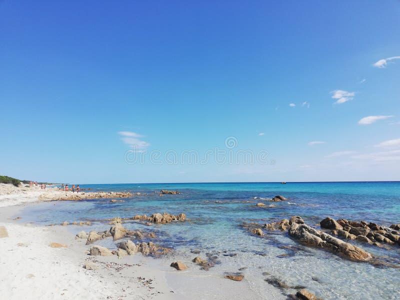 Plage en Sardaigne image libre de droits