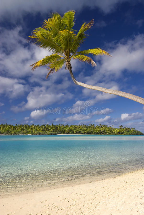 Plage et lagune tropicales. Aitutaki, cuisinier Islands photos stock