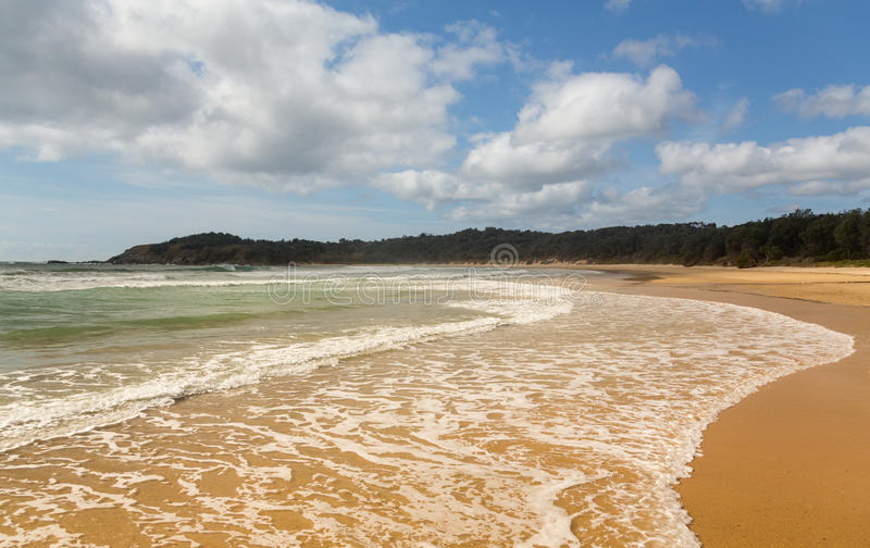 Plage juste au nord d'Australie de Coffs Harbour photos libres de droits