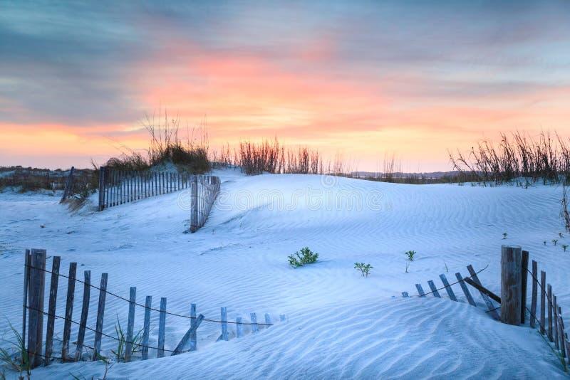 Plage la Caroline du Sud de folie de dunes de coucher du soleil photographie stock libre de droits