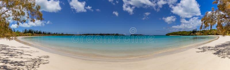Plage magnifique sur l'île des pins photos stock