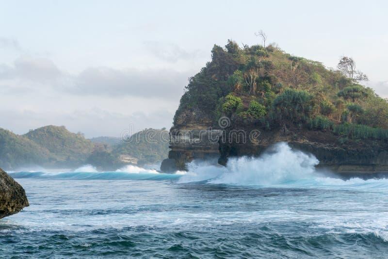 Plage Malang Indonésie de Batu Bengkung images stock