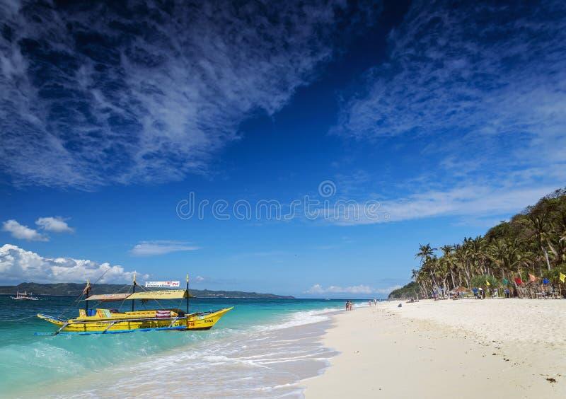 Plage philippine traditionnelle boracay pH de puka de bateaux de visite de taxi de ferry image libre de droits