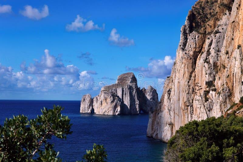 Plage pittoresque Masua, Sardaigne, Italie photographie stock libre de droits