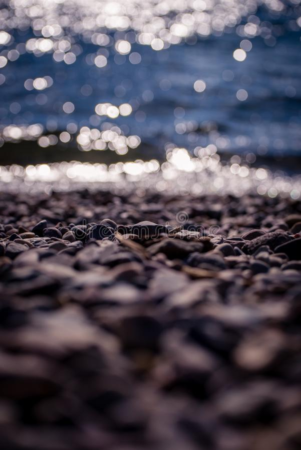 Plage rocheuse photo stock