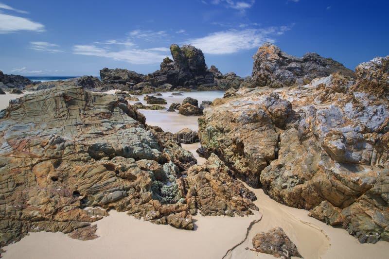 Plage rocheuse australienne de la côte Burgess Beach image stock