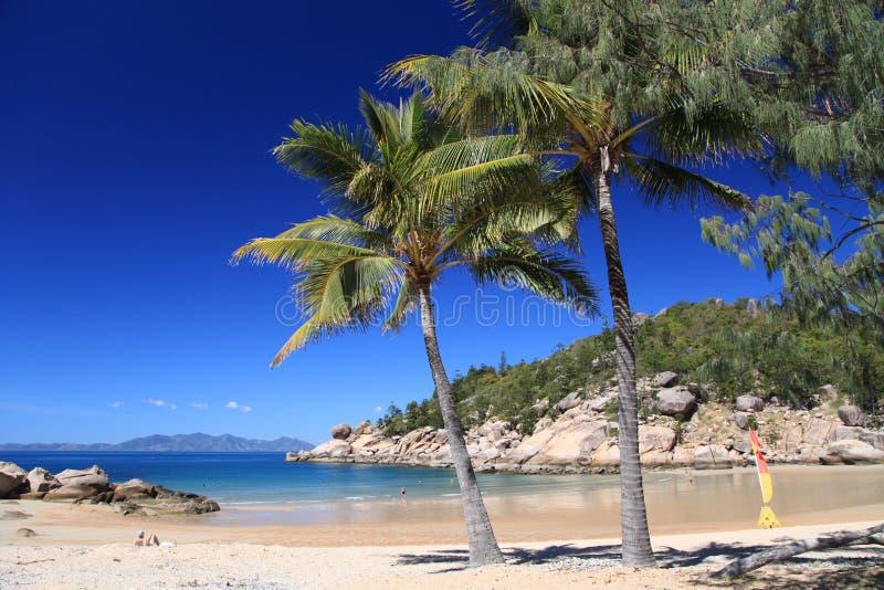 Plage sablonneuse sur l'île magnétique, Queensland, Australie photo stock