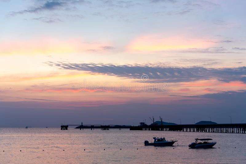 Plage Sattahip, Thaïlande de RAM de Nang en égalisant le temps image stock