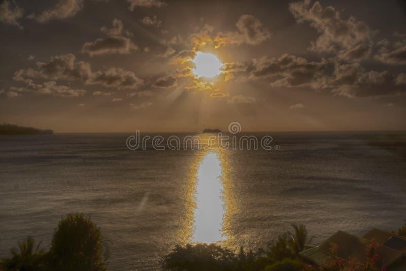 Plage St Lucia de crique de calebasse de coucher du soleil image libre de droits