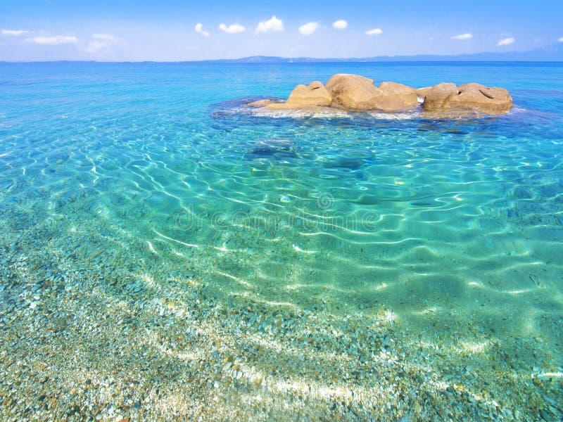 Plage sur Halkidiki, Sithonia, Grèce image stock