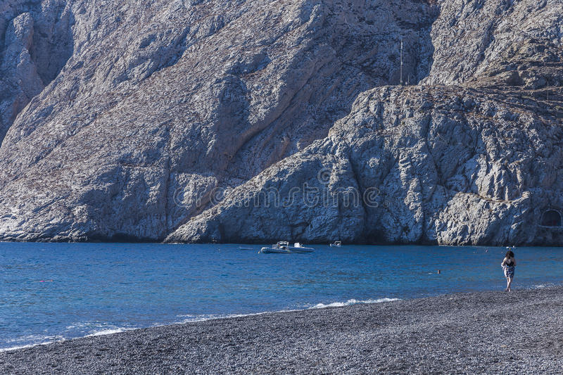 Plage sur Kamari Santorin en Europe photos stock